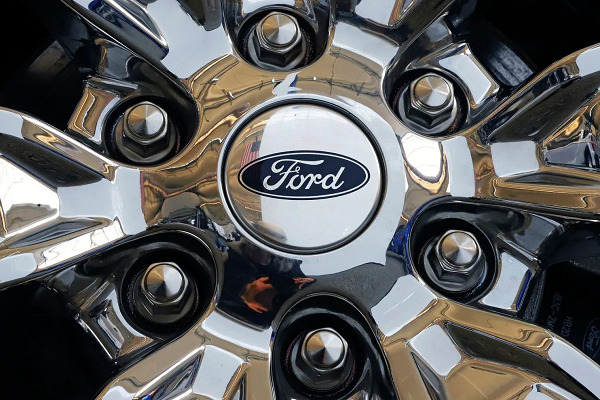 Ford will build its first driverless cars in Michigan in 2021
