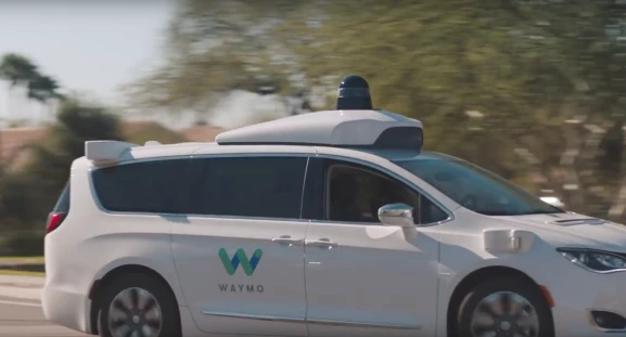 Lyft users will be able to hail driverless Waymo cars in Phoenix
