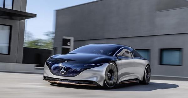 Mercedes-Benz ditches self-driving car development