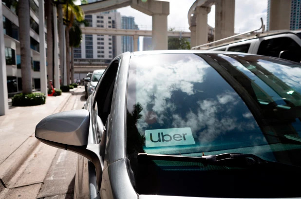 Uber and Lyft ban pooled rides in US, Canada to curb coronavirus