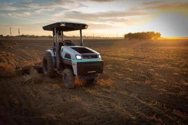 All-Electric Self-Driving Farm Tractors Are Coming
